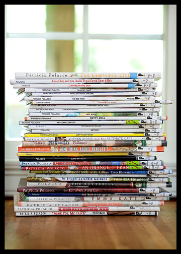 pile-of-elementary-library-books