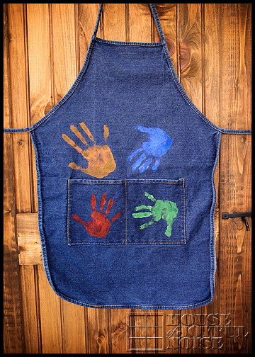 handprint-apron-homemade-gifts-from-kids