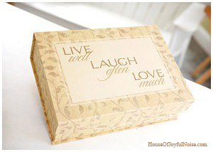1_live-laugh-love-box