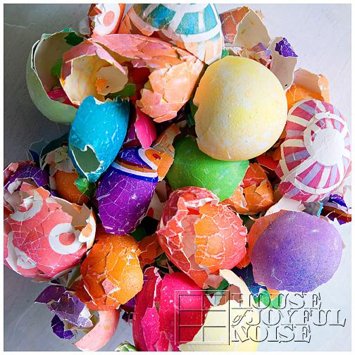 colored-easter-eggshells