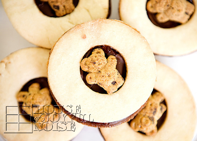 teddy-graham-sandwich-cookies-recipe-34