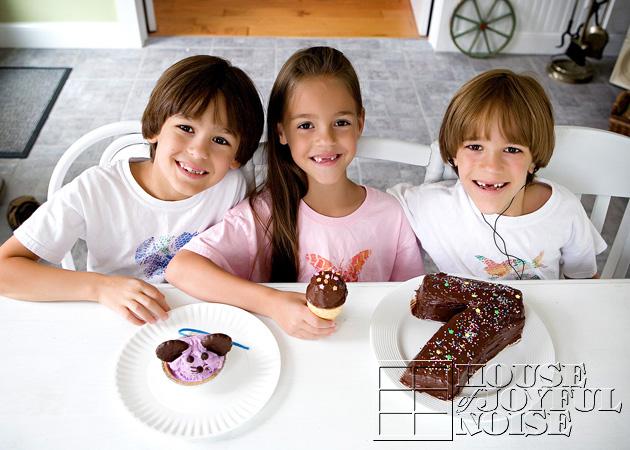 triplets' birthday cakes
