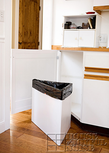 kitchen-trash-solutions-3