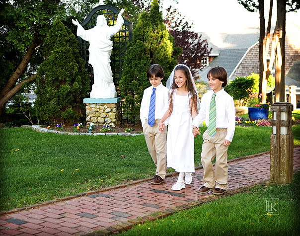 roman-catholic-first-holy-communion-triplets-15