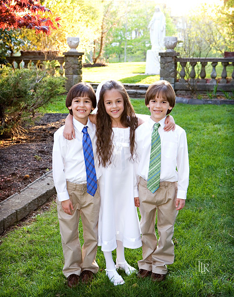 roman-catholic-first-holy-communion-triplets-7