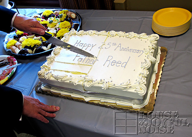 11_fr-reeds-25-year-anniversary-cake