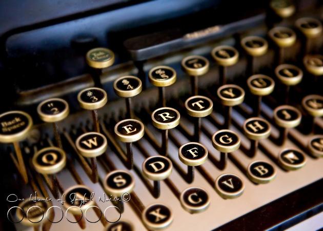old-typewriter-1