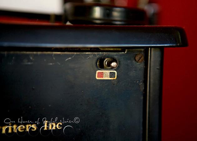 old-typewriter-3