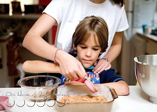 homeschooling-kids-in-the-kitchen-10