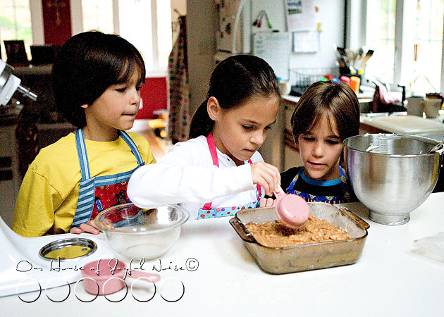 homeschooling-kids-in-the-kitchen-11