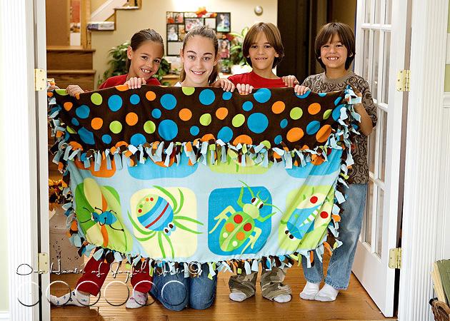 no-sew-double-sided-fleece-blanket-tutorial-10