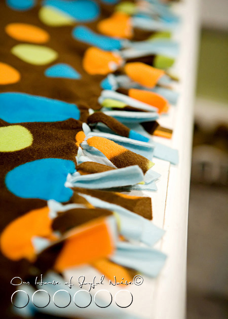 no-sew-double-sided-fleece-blanket-tutorial-4