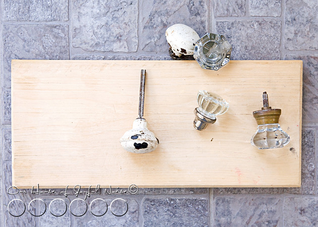 old-doorknobs-jewelry-organizer-holder-1