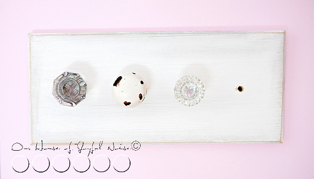 old-doorknobs-jewelry-organizer-holder-2