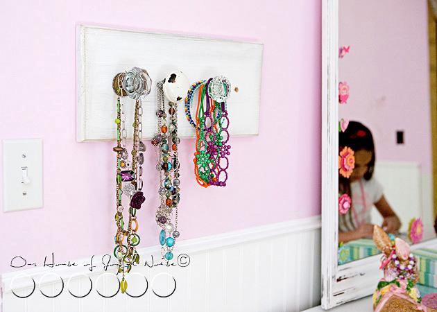old-doorknobs-jewelry-organizer-holder-4