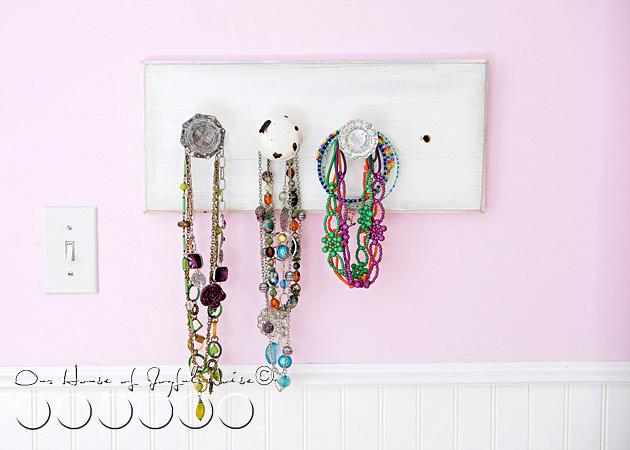 old-doorknobs-jewelry-organizer-holder-9