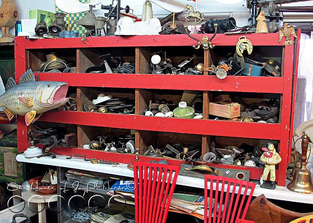 old-doorknobs-jewelry-organizer-holder