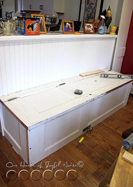 007_old-door-repurposing-bench
