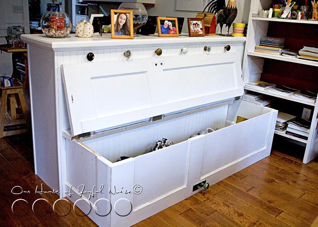 017_storage-doors-bench