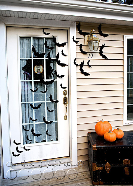 05_halloween-front-door-decor-bats