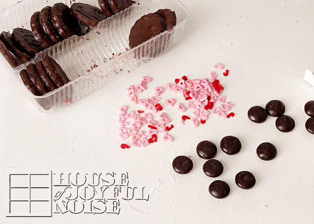 valentine-ladybug-cookies-13