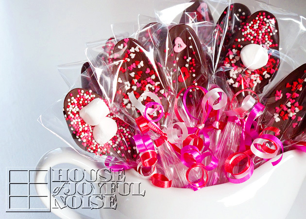 005_valentine-chocolate-covered-spoons1