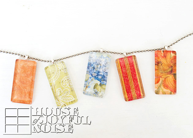 017_glass-tile-pendant-necklaces-craft