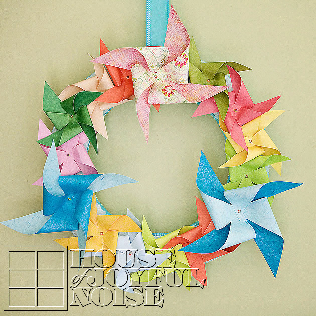 001_pinwheel-wreath-home-decor