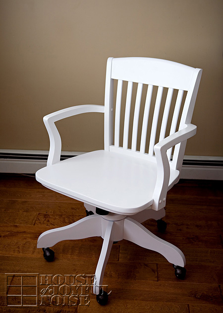 016_white-desk-chair