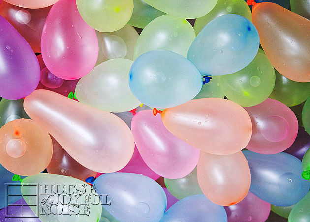 004_water-balloons