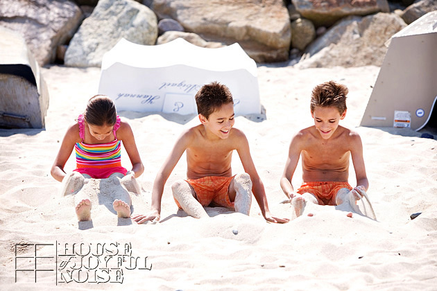 triplets-10th-birthday-beach-6