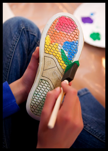 putting-paint-on-sneaker-sole_4