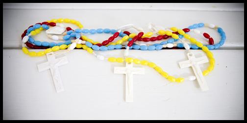 1_plastic-rosaries