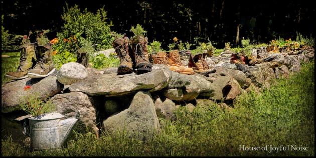 boots-wall-garden
