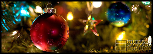 Christmas-tree-ornaments-lights