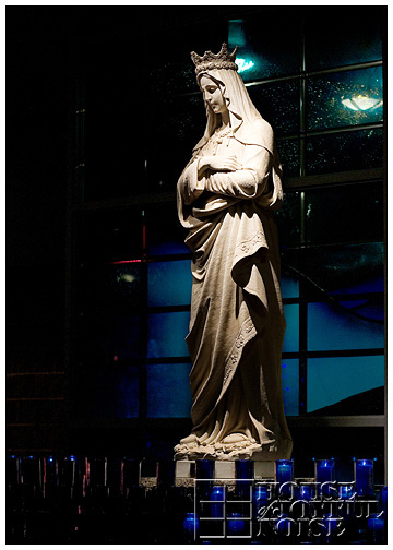 4_la-salette-shrine-festival-of-lights-Mary-Queen