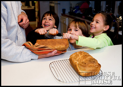 11_photos-of-making-homemade-bread