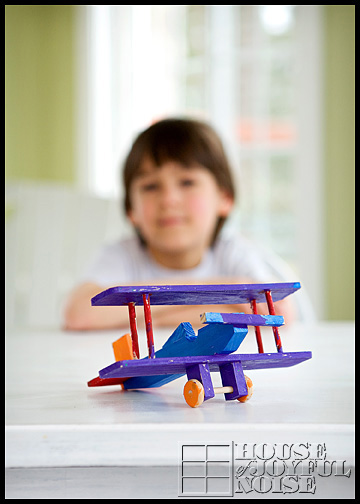 wooden-toys-airplane