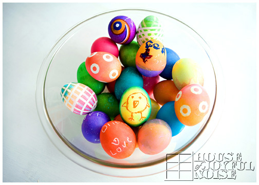bowl-beautiful-creative-colored-easter-eggs
