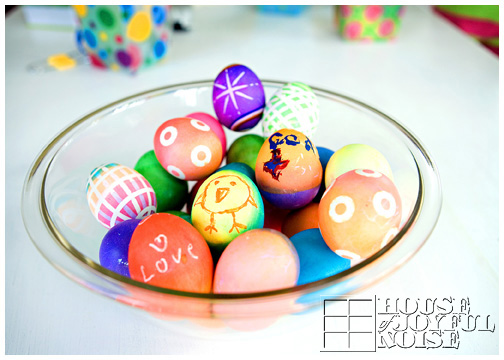 bowl-beautiful-creative-colored-easter-eggs_2