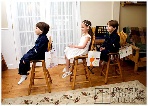 3_catholic-kids-pretend-mass-liturgy