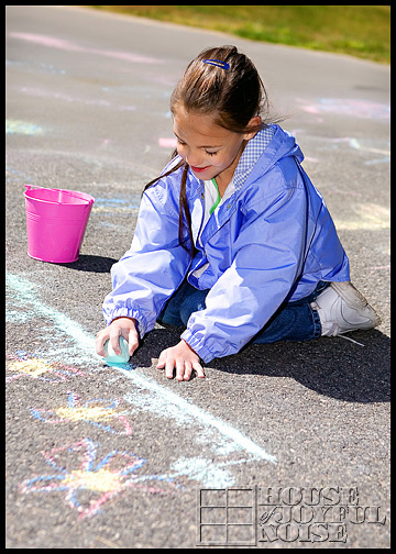 4_kids-sidewalk-chalk-art