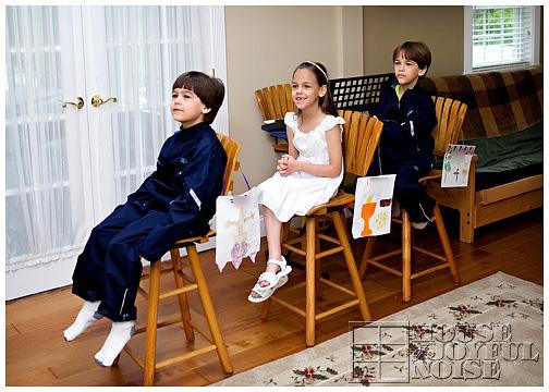 5_catholic-kids-pretend-listen-to-homily