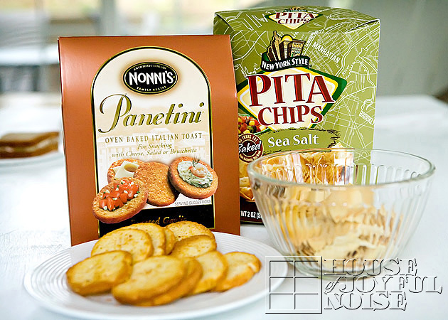 dip-crackers-chips