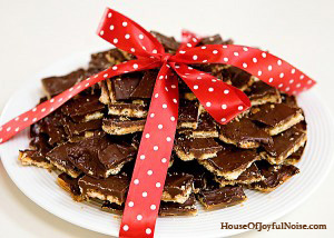 soda-cracker-toffee-recipe-15