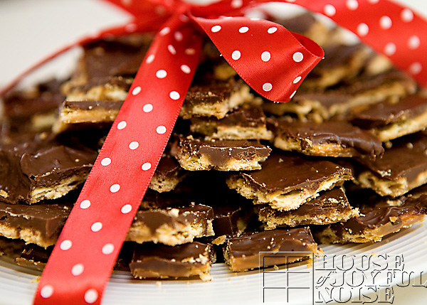 soda-cracker-toffee-recipe-16