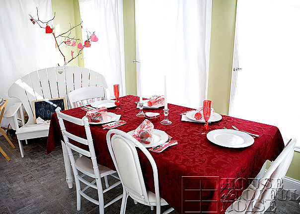 valentine-family-dinner-table-setting & Table For 6: Family Dinner with Our Little Valentines |