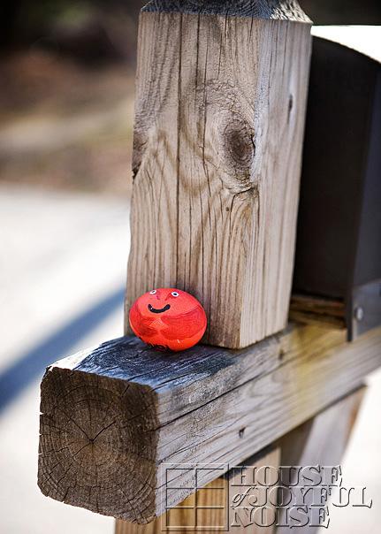 12_egg_mailbox