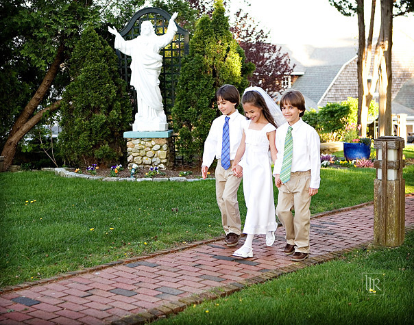 roman-catholic-first-holy-communion-triplets-14