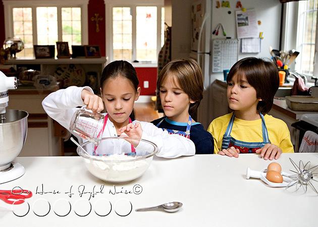 homeschooling-kids-in-the-kitchen-16